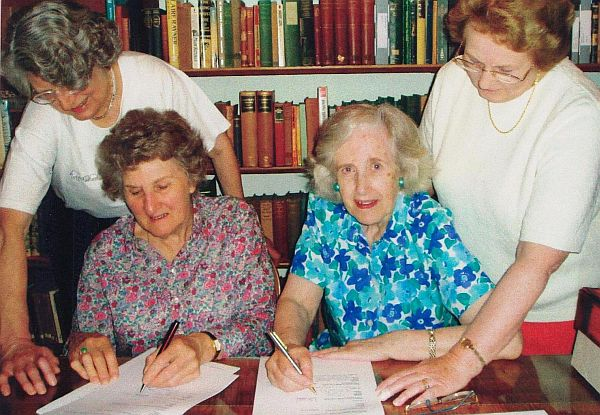 L to R: Nancy Edwards, Margaret Roake, Vivyenne Rubinstein, Cynthia Richmond